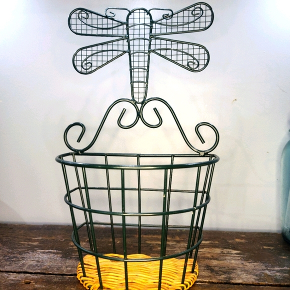 🌵Vintage Boho Dragonfly metal and wicker basket